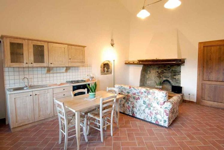 La vecchia casa padronale può ospitare un massimo di 10 persone