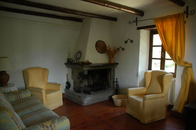 Three apartments have a cozy fireplace at Agrituris