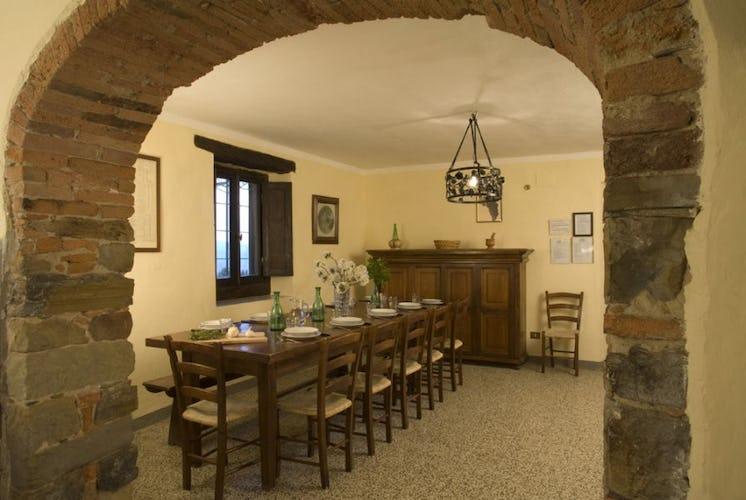 Frantoio apartment dining room