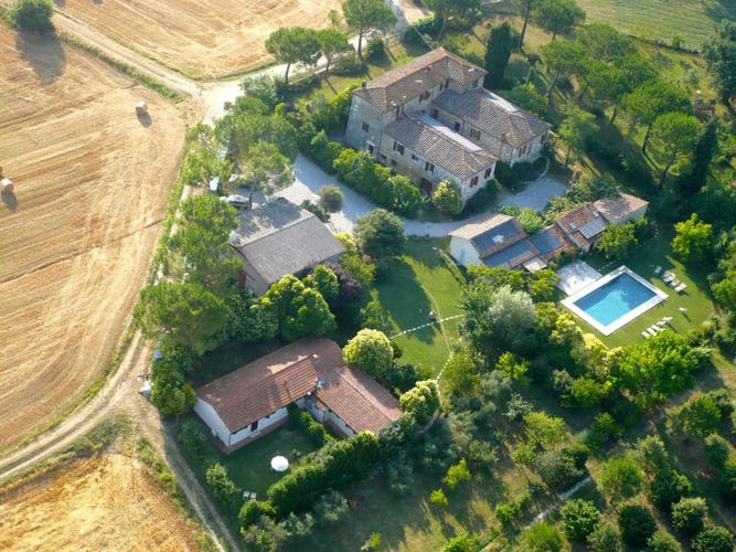 Agriturismo Il Molinello - Guest rooms & Apartments near Siena