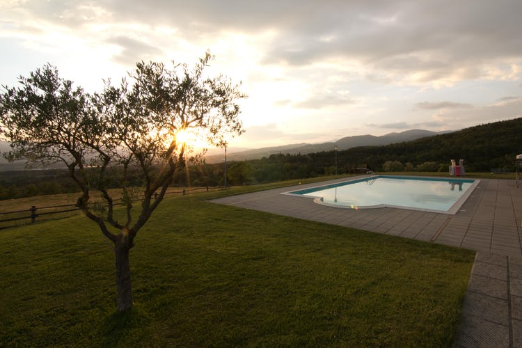 Agriturismo La Collina Delle Stelle - sunsets in Tuscany