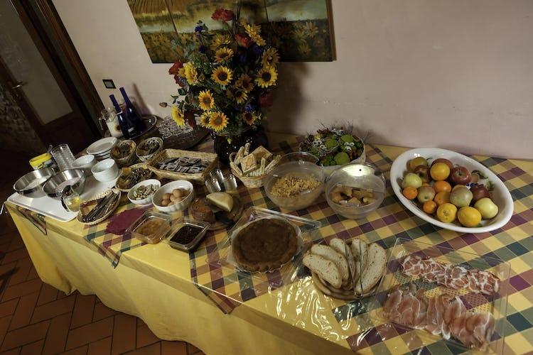 Agriturismo La Collina Delle Stelle - il ricco ed abbondante buffet della colazione