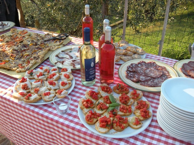 Taste the traditional food of the agriturismo