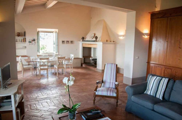 Montefreddo highlights the Tuscan architecture for your comfort