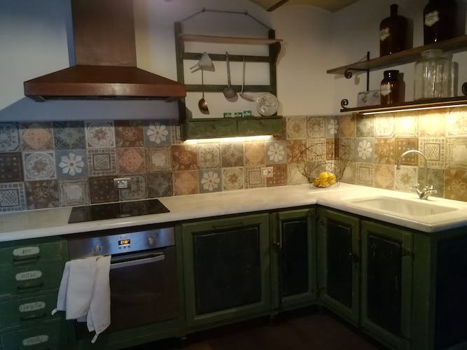 Agriturismo Vicolabate: Fully equipped kitchen with super large frige