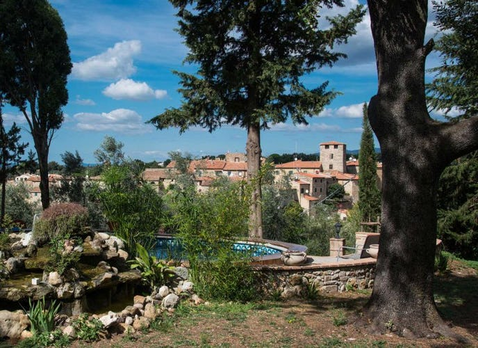 The town of Bibbona is within walking distance of Villa il Palazzino