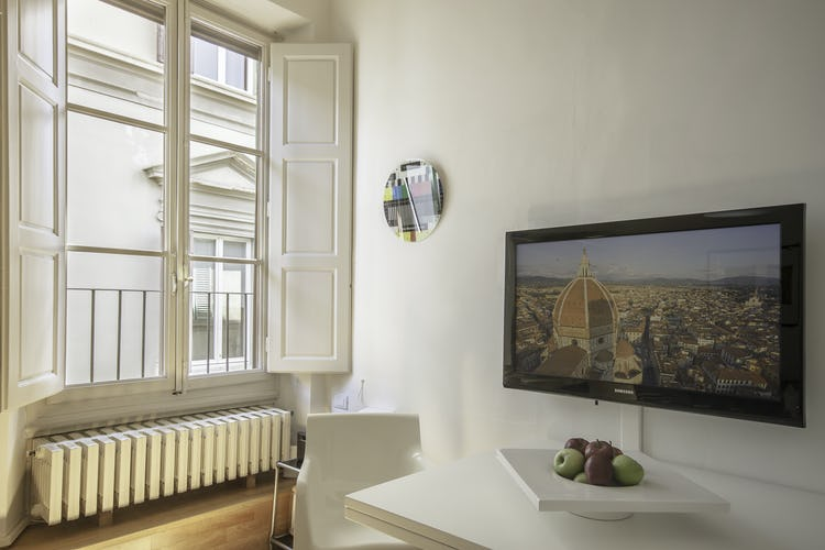 Alain DesignApartmentFlorence - TV, WiFi and AC at your disposition