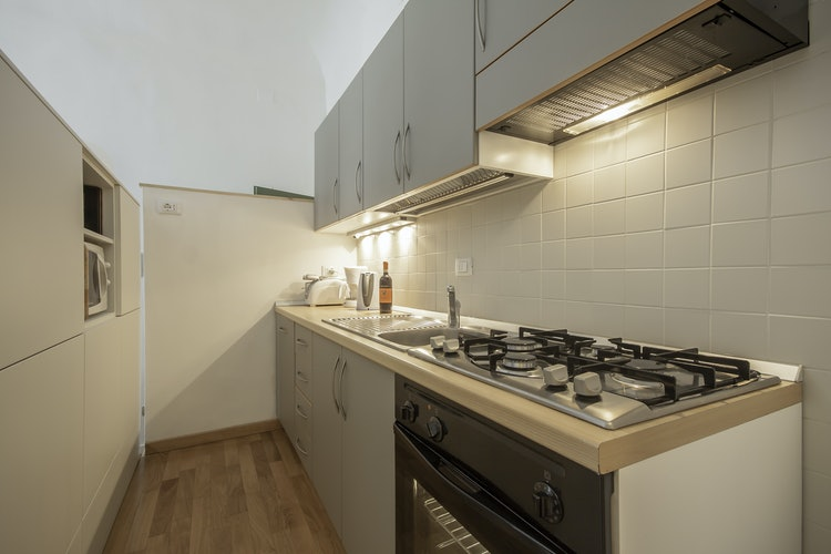 Alain DesignApartmentFlorence - Comes with oven, microwave, electric kettle & toaster
