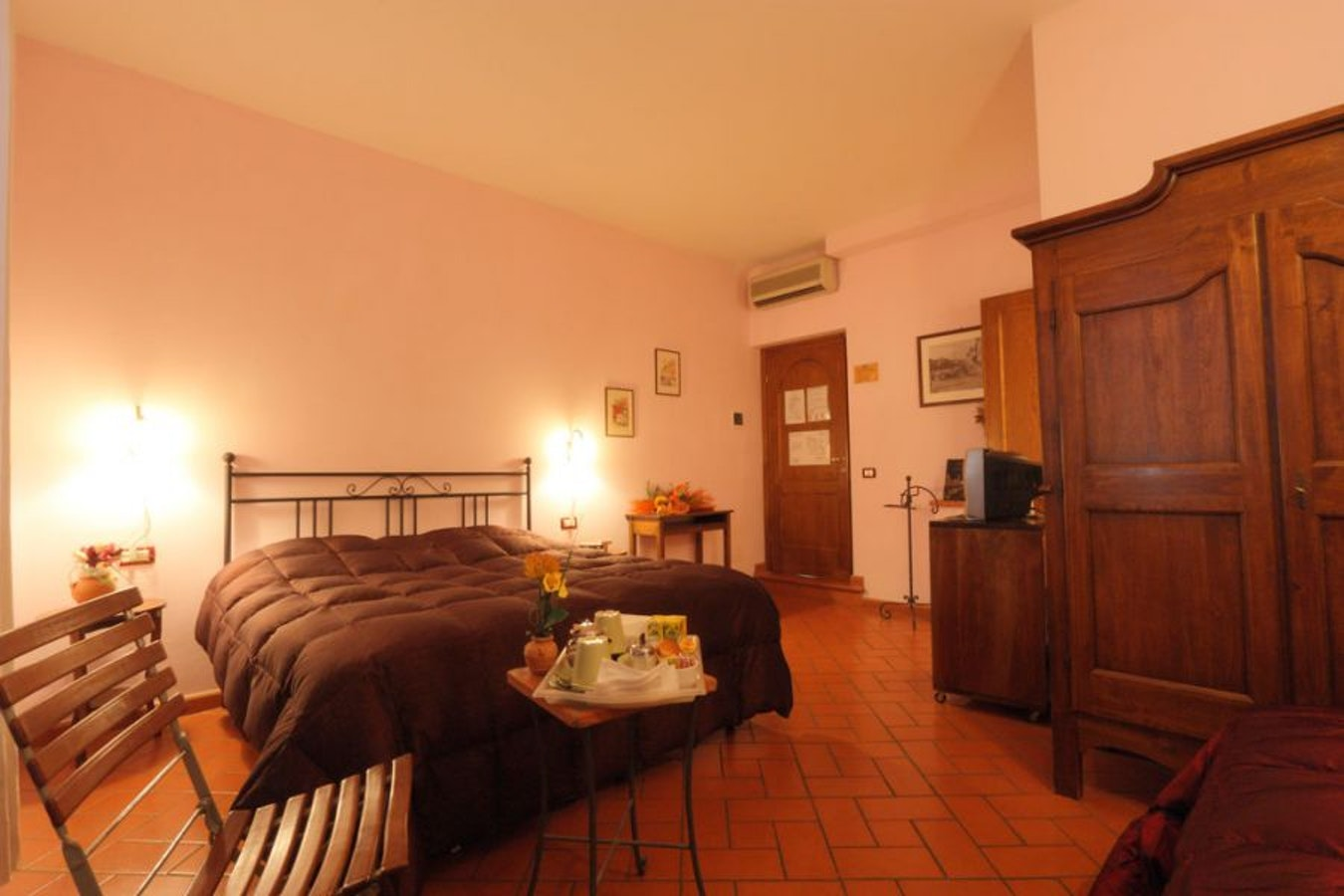 Antica Posta B B Budget Bed And Breakfast Near Florence