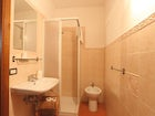 bathroom-bed-and-breakfast-florence