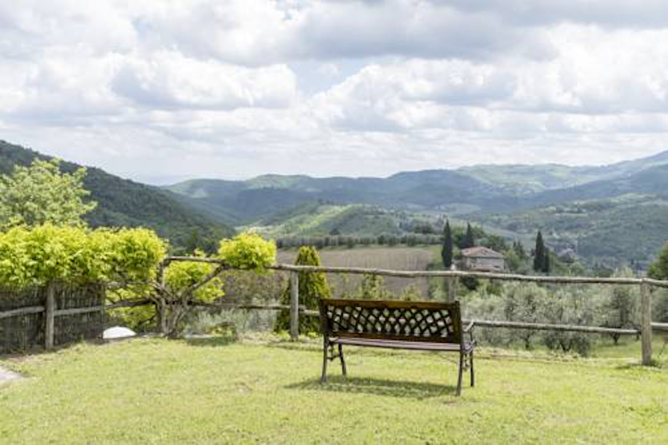 Agriturismo La Sala Greve In Chianti Holiday Apartments - Tranquil photos capture the beauty of tuscanys countryside