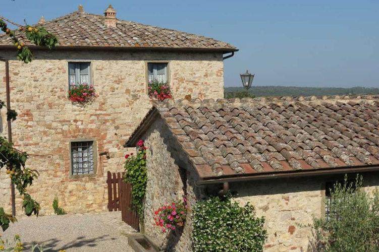 Borgo Argenina è stato completamente ristrutturato in stile toscano