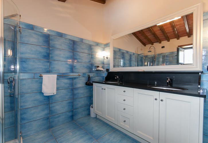 Borgo La Casa in Tuscany, Casa Girasole with three bedrooms and en suite bathrooms