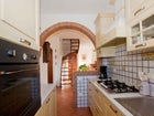 Fully equipped kitchen in Tuscany near sandy beaches and Pisa airport
