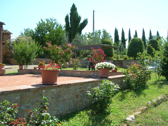 Agriturismo Casa dei Girasoli - Tuscany, garden with flowers