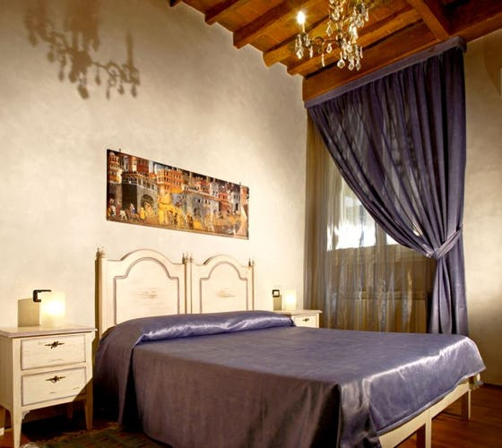 The violet room at Florence b&b Casa dei Tintori