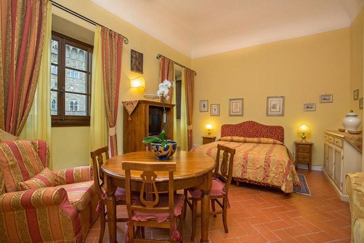 La suite Arnolfo con vista su Palazzo Vecchio