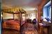 Parquet nelle camere e mobilio in legno fatto a mano da Stefano
