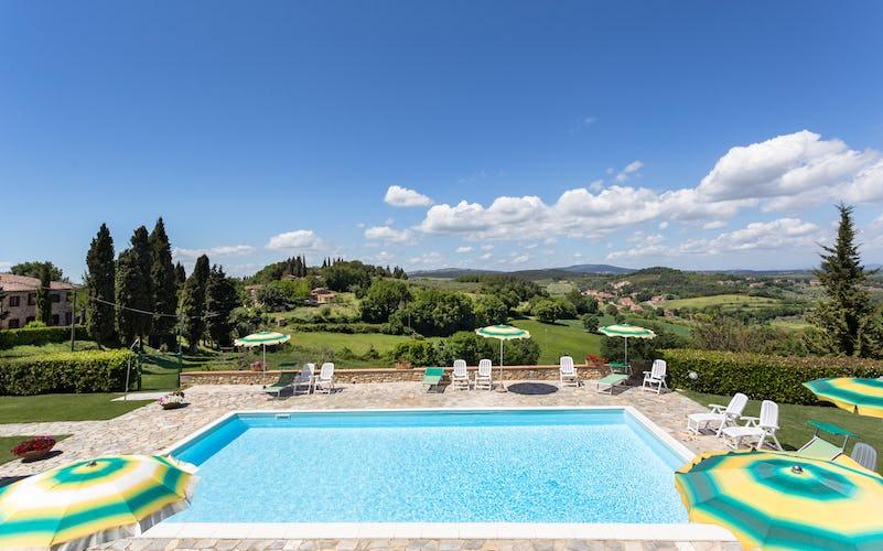 Casa Podere Monti - La piscina, perfetto refrigerio durante il caldo estivo