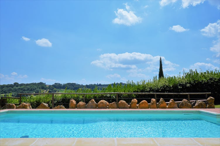 Casa Vacanze Soleado large pool area with lots of Tuscany sun