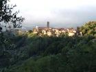 Vista del paesino medievale di Massa e Cozzile