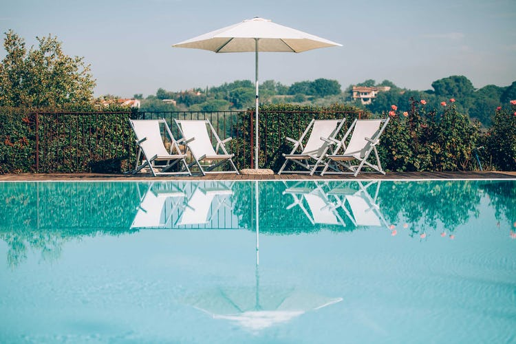 Casale Cardini - Poolside in Tuscany