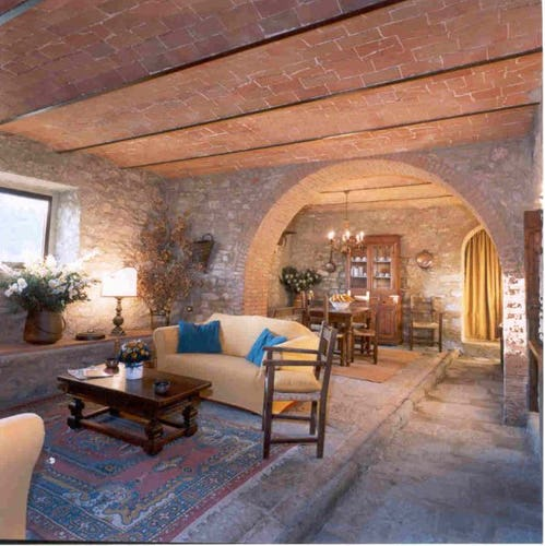 Comfort and country elegance distinguishes Castello di Montozzi