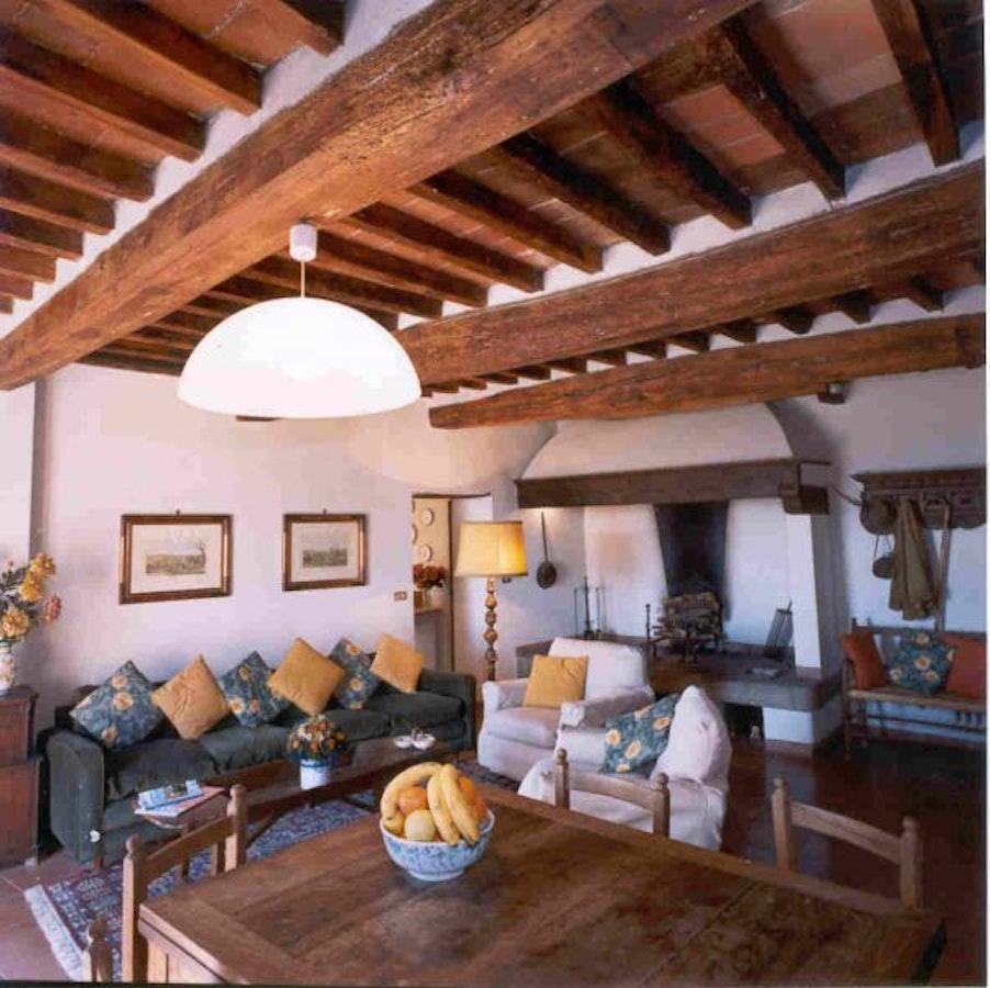 Castello di montozzi pergine valdarno appartamenti in for Case in stile castello