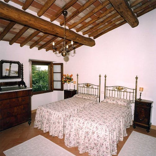 Two independent rental farmhouses at Castello Montozzi