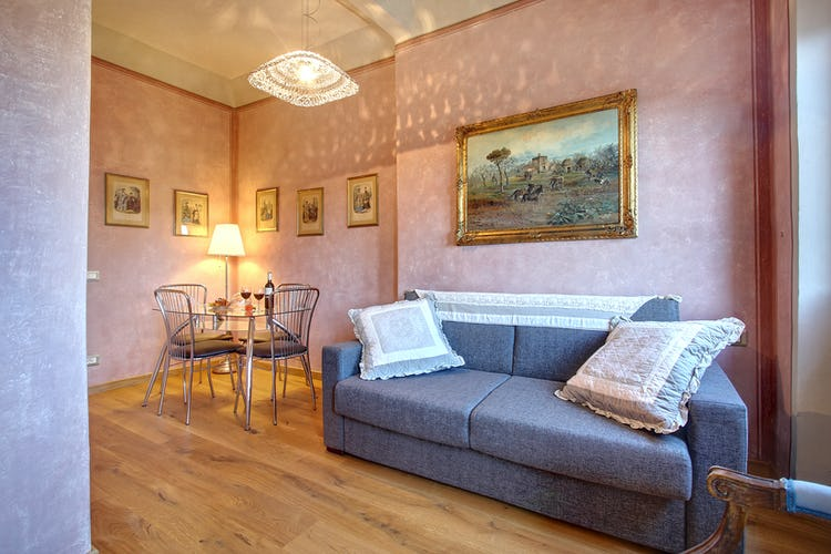 Cupido Vacation Rental Apartment in Florence, Italy: in the heart of the city