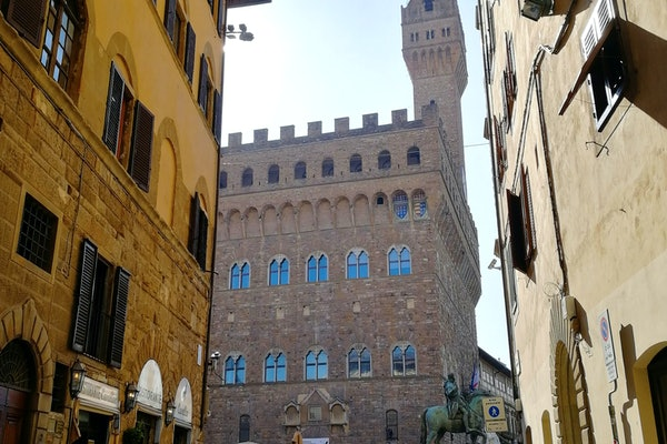 Dimora dei Cerchi - a vacation apartment in the true historic heart of Florence, Italy