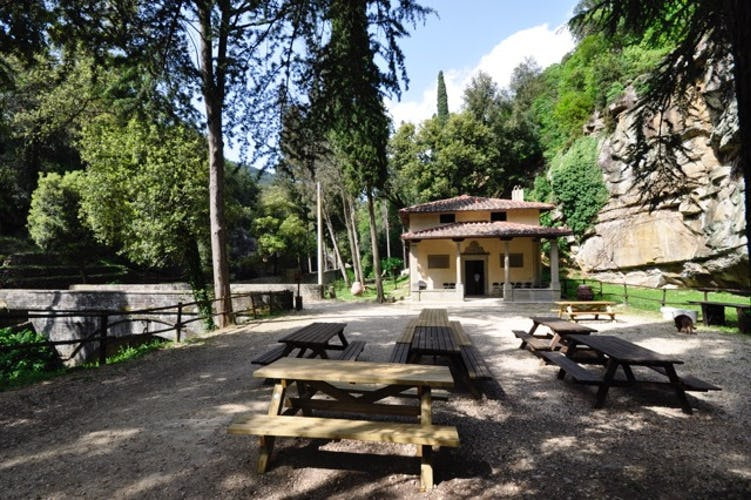 Fattoria di Maiano: picnic area for outdoor meals