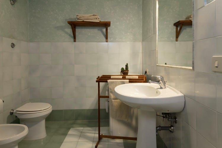 Giovanna Vacanze: Edera, Green Bathroom