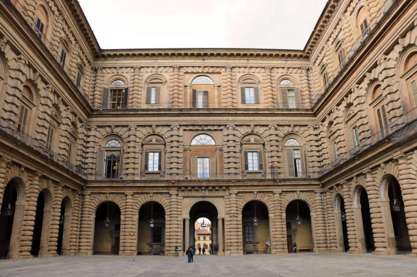 Gold Bridge Vacation Apartment Rentals in Downtown Florence