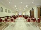 La sala conferenze ben organizzata e dotata di ogni apparecchiatura