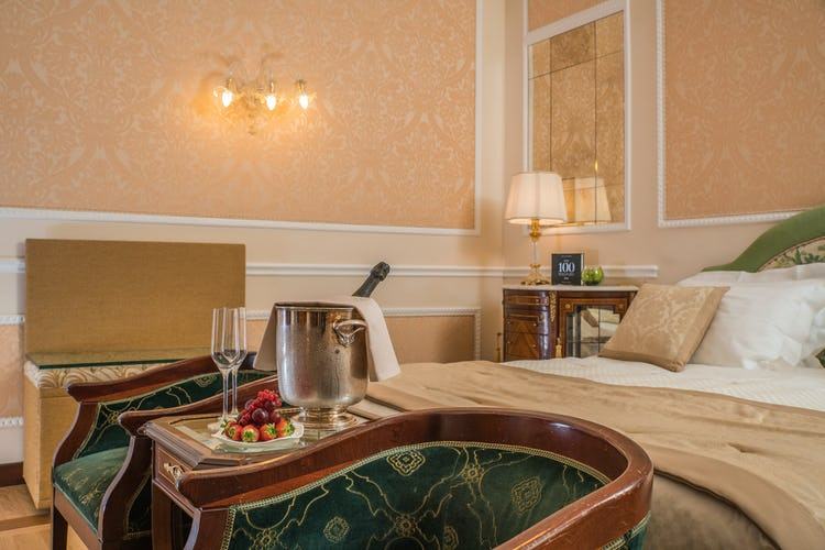Hotel Bernini Palace - Suite elegante, perfetta per un brindisi romantico