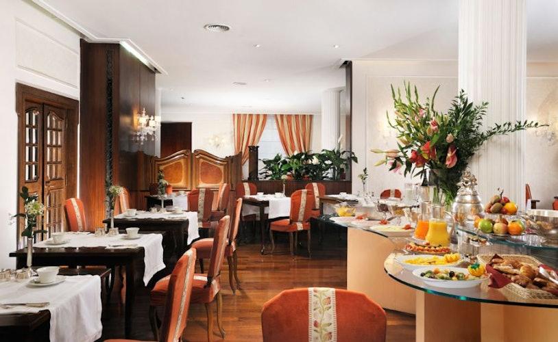 Delizioso ed invitante il buffet offerto per colazione dall'hotel