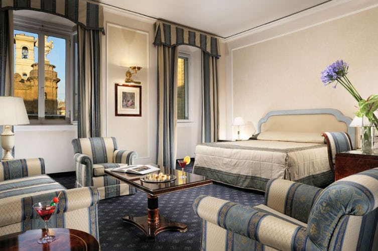 Suite Michelangelo with panoramic views at Hotel de la Ville