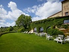 Well tended, lush green gardens for relax at Hotel le Fontanelle