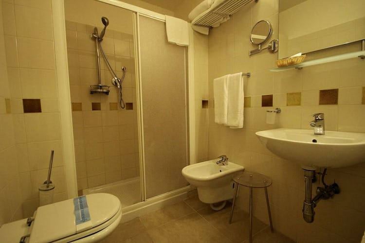 En suite bathroom with hair dryer