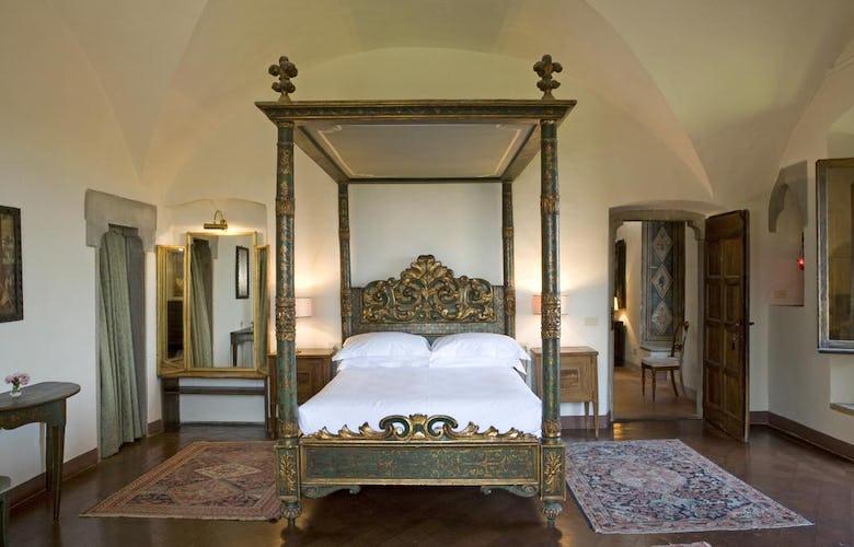 Hotel Torre di Bellosguardo - Camera matrimoniale dall'arredo sontuoso
