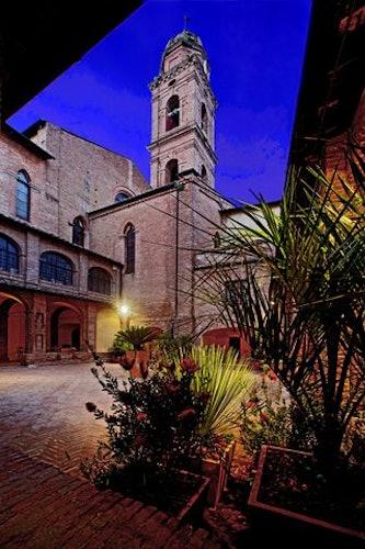 The monastery courtyard at il Chiostro del Carmine
