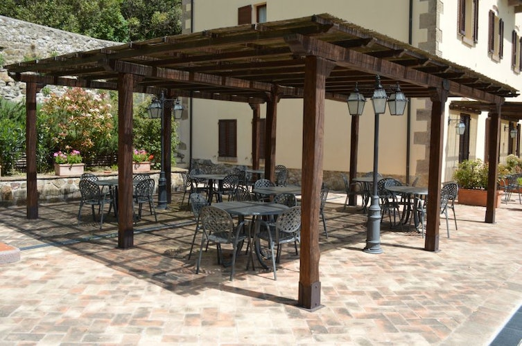 Comfortable and shade filled common areas at il Ciliegio