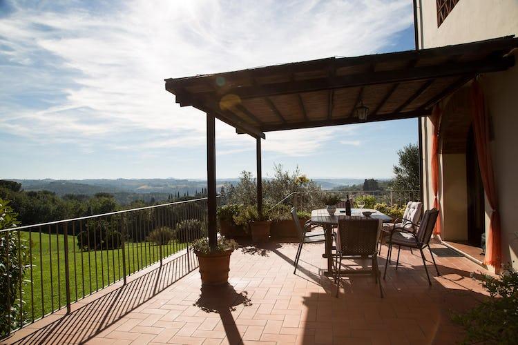 La Canigiana, alloggi per vacanze nel Chianti con spazio esterno per rilassarsi e per organizzare pranzi e cene all'aperto