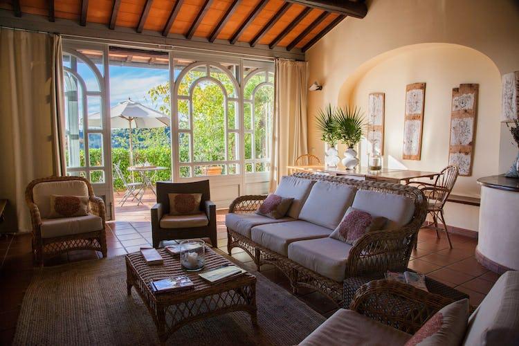 Pensati per le famiglie ma perfetti anche per le coppie, gli appartamenti de La Certaldina vantano vedute panoramiche da sogno sulla campagna circostante