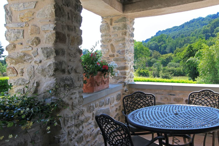 La Loggia Fiorita holiday villa rental features a tranquil terraces