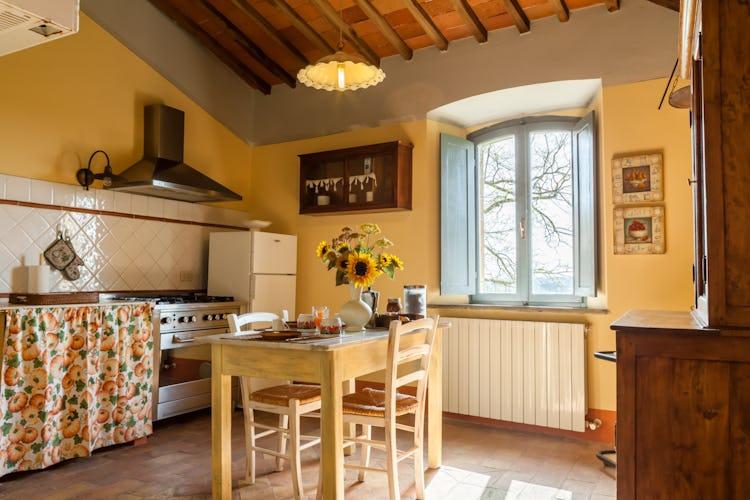 La Pieve Marsina: Kitchens with stove, refridgerator and ovens