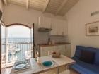 Ogni appartamento è dotato di AC, wifi, TV SAT e divano letto