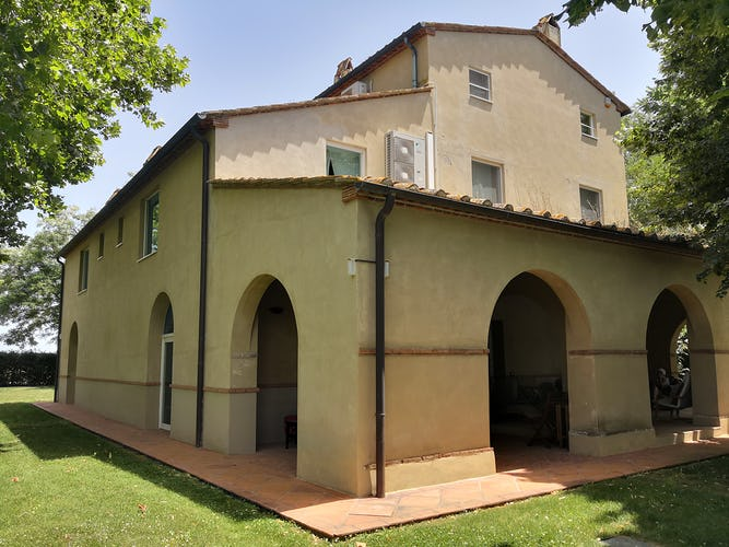 La Villa con gli Archi is set on three floors