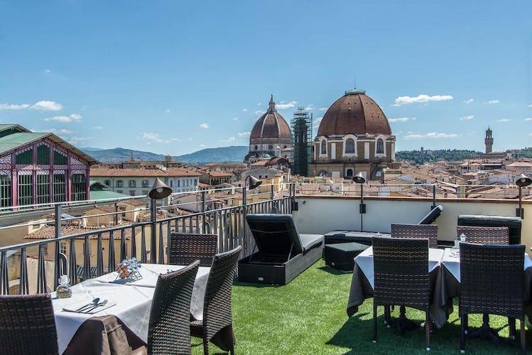 Hotel Machiavelli Palace - l'esclusiva terrazza allestita in estate, con vista sul Duomo di Firenze